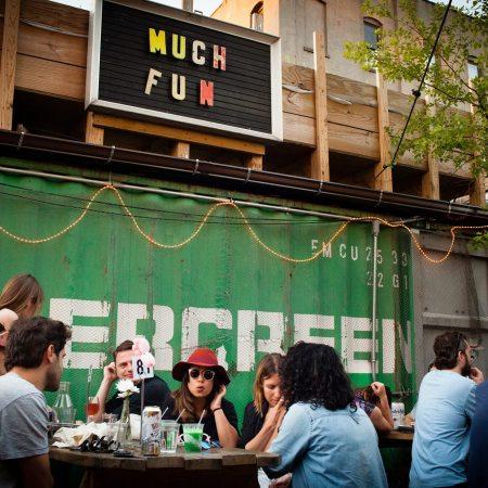 robertas pizzeria outdoor space